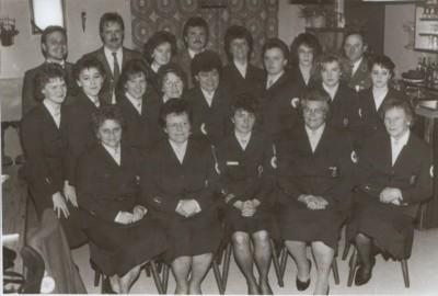 Die Gruppe der freiwilligen Helfer im DDR Einsatz um die stellv. Kreissozialdienstleiterin und Einsatzleiterin Monika Höller (vorne mitte).