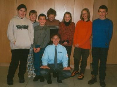 Die Jugendlichen der Ersten Stunde bei der Erste Hilfe Ausbildung mit Ausbilder Markus Hoppe.